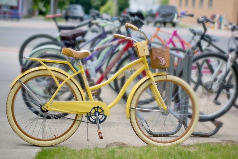 vintage-bikes-825726_1920.jpg